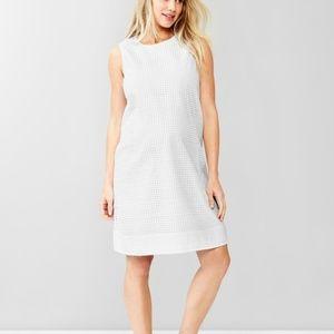 5/$25 GAP White Embroidered Eyelet Shift Dress